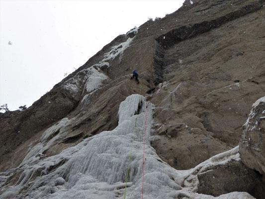 Le dry de L1, Sarret-c't'un jeu, gorge de Glacenost, cascade de glace Maurienne