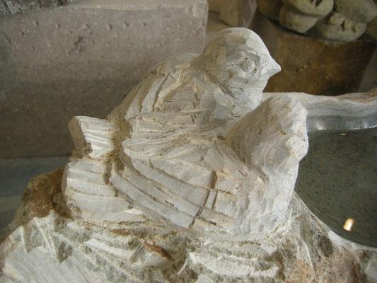 Vogeltränke Paul Widmer Bildhauer Uetliburg