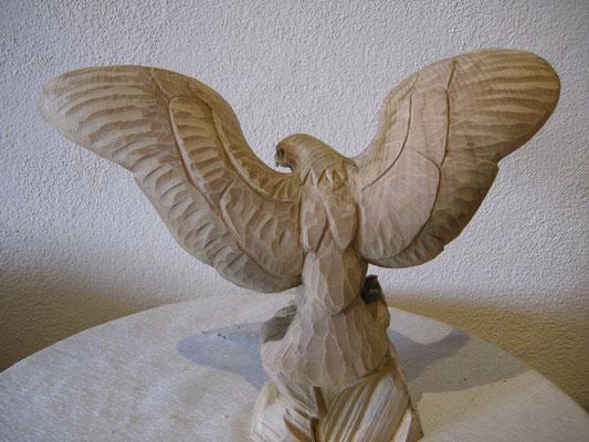 Adler Holzfigur