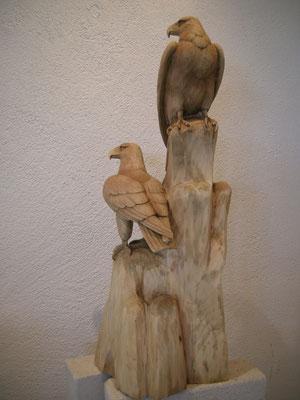 Adler handgschnitzt