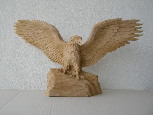 Steinadler Holzskuptur