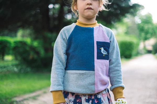 ... und noch ein bestickter Kinderpullover von @quittemarille