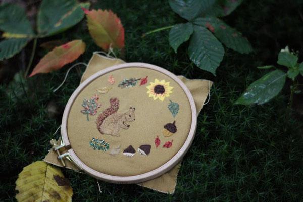 Herbstmotive gestickt von @nins_heartmade
