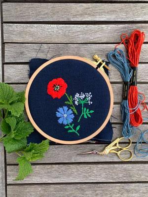 ... Mohnblume, Kornblume und Wilde Möhre - @nins_heartmade hat Blumenstängel und Blätter ergänzt, eine wunderschöne Abwandlungsidee