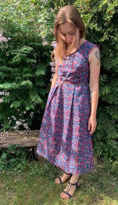 langes Acacia-Kleid von @nins_heartmade; Ärmel: eigene Abwandlung