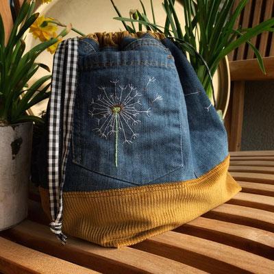 ... die Projekttasche ist ein Upcycling-Projekt aus alten Jeans