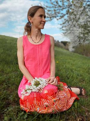 Sambucus-Bluse, kurze Variante mit Biesen von @girafanten