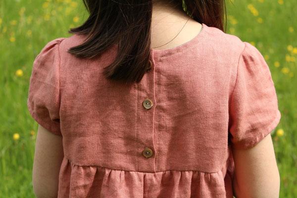 ... zur Bluse abgewandeltes Kleid LISABETH, genäht und bestickt von @happy.fabrics