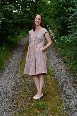 Acacia-Kleid von @goldwaendlerin - den kurzen Ärmel hat Celina selbst ergänzt (nicht im Schnittmuster vorhanden)