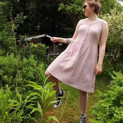 Kleid Acacia von @agnes_dakota , mit Druckknöpfen