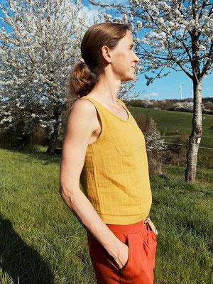 Sambucus-Bluse, kurze Variante mit angefügtem Bund-Streifen, aus Musselin von @girafanten