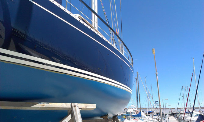 Nauticat 55 with Awlgrip sprayed topsides made 2013