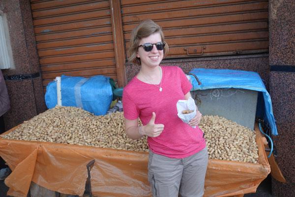 Inès & les cacahuètes... une longue histoire d'amour !!