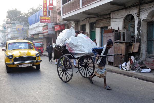 """Trajet de notre hôtel à Mother House - Rickshaw ou """"homme-cheval"""""""