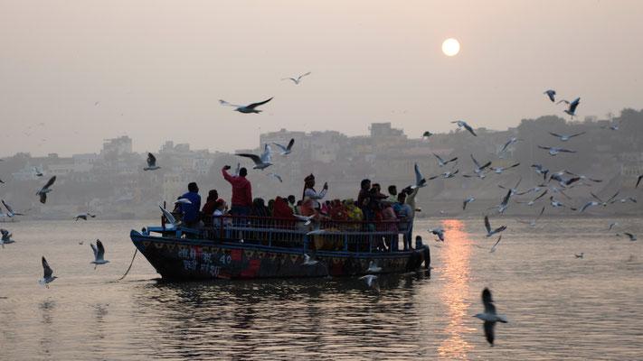 Promenade en barque sur le Gange - Mariage sur un bateau