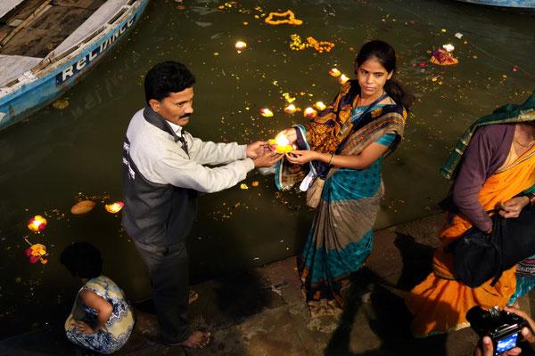 Offrandes au fleuve sacré
