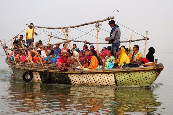 Promenade en barque sur le Gange - L'histoire ne dit pas si la barque a finit par craquer ;-)