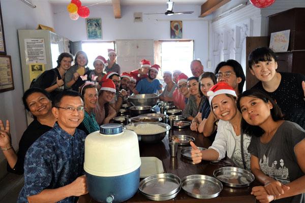 Avec les volontaires de Kalighat le jour de Noël