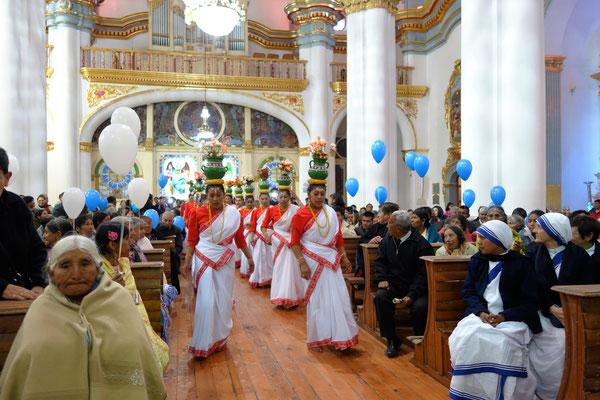 Sainte messe dans la cathédrale de Potosi