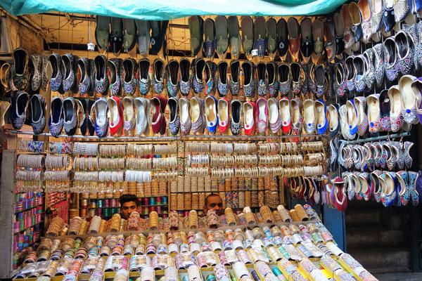 Vendeur de bracelets & babouches