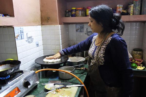 En cuisine - Préparation de notre uttapam...