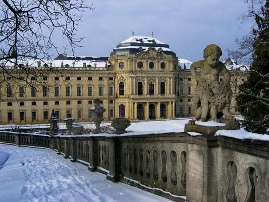 """""""residenz im winter"""" - renate scheurich - urkunde bezirksfotoschau 2005 sonderthema"""