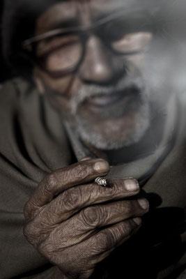 "kurt treumann ""Delhi smoker""- ehrenpreis des regierungspräsidenten bezirksfotoschau 2012"