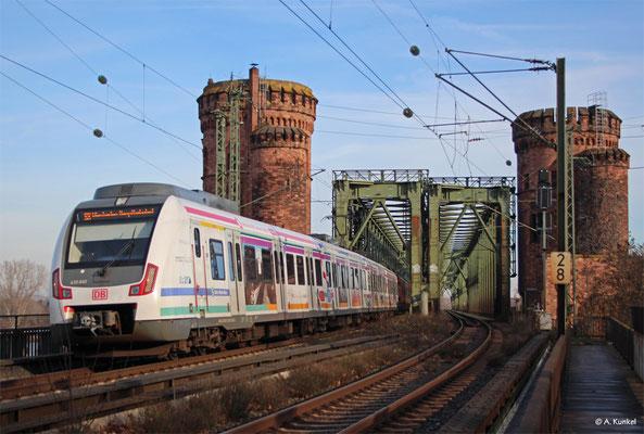 """430 160 """"Gateway Gardens"""" erreicht am 29. Dezember 2019 als S8 in Mainz die andere Rheinseite."""