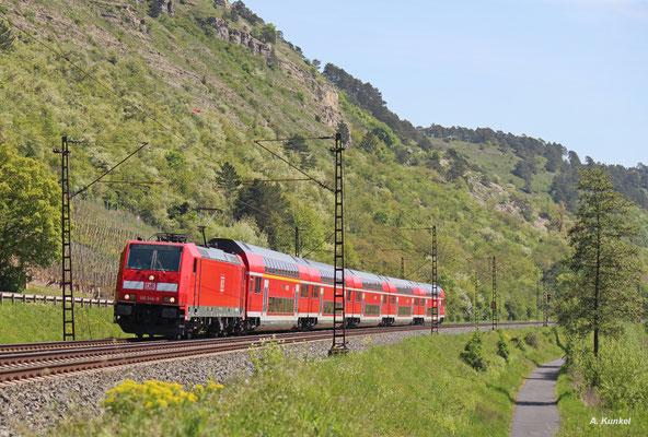 146 244 hängt am RE 4614. Der Zug ist gerade zwischen Karlstadt und Wernfeld unterwegs (06. Mai 2016).