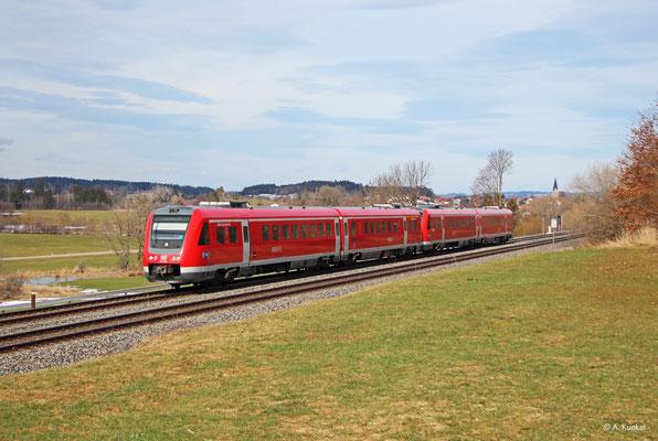 """612 584/084 """"Markt Heimenkirch"""" und ein weiterer 612 fahren am 03. März 2019 bei Waltenhofen als RE 3288 / 3388 nach Lindau bzw. Oberstdorf."""