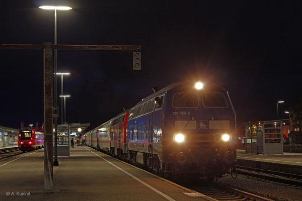 """218 458 (Press """"218 055"""") und 218 499 erreichen Kempten Hbf am 3. Januar 2020 mit IC 2085 nach Oberstdorf."""