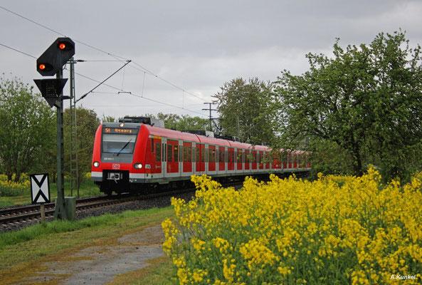 423 933 hat das Fahrtziel Kronberg am 15. April 2017 bald erreicht.