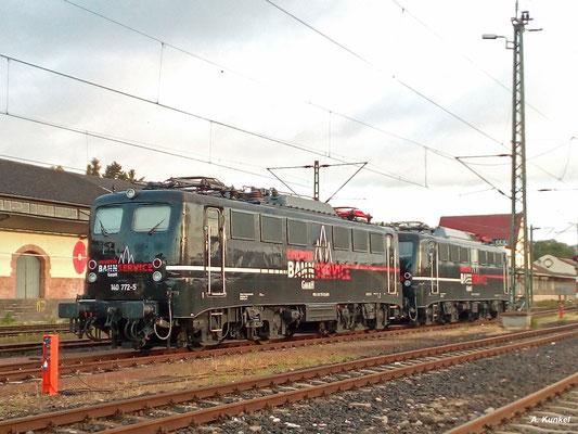 Am Morgen des 23. Juli 2017 stehen 140 772 und 140 789 des Erfurter Bahnservice in Wiesbaden Hbf abgestellt. (Mangels Kamera leider nur ein Handybild...)