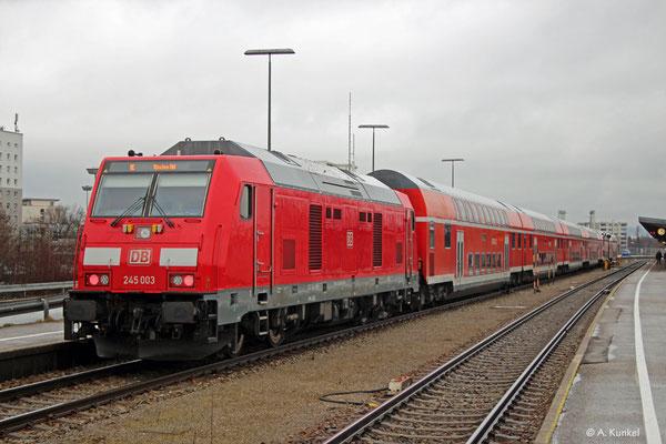 245 003 steht am 4. Januar 2020 in Kempten Hbf bereit für die Fahrt nach München.
