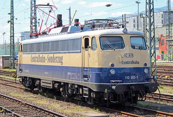110 383 der Centralbahn bekam im Juli eine neue Frist im Werk Griesheim. Nach Ablauf ihrer Frist wartete die Lok mehrere Tage im Frankfurter Hbf (Aufnahme vom 13. Juli 2017).