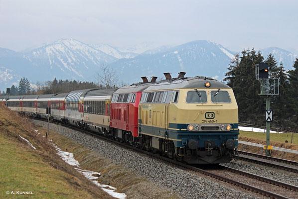 218 460 und 218 402 mit EC 191 am 02. März 2019 kurz vor Waltenhofen.