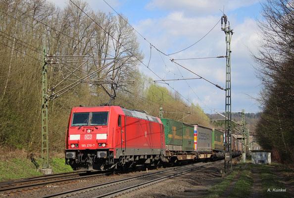 185 279 wechselt am 30. März 2017 bei Schlüchtern aus Elm kommend nach dem Einscheren auf die Strecke auf das Regelgleis.