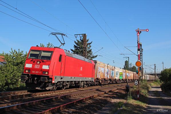 185 267 fährt am 23. Juli 2019 wegen einer Umleitung durch Hanau-Großauheim.