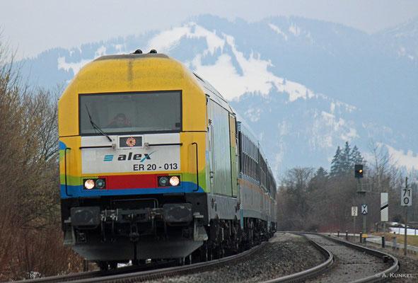 Am 02. März 2019 hängt ALX 84105 nach München hinter 223 013, als sie sich bei Waltenhofen in die Kurve legt.