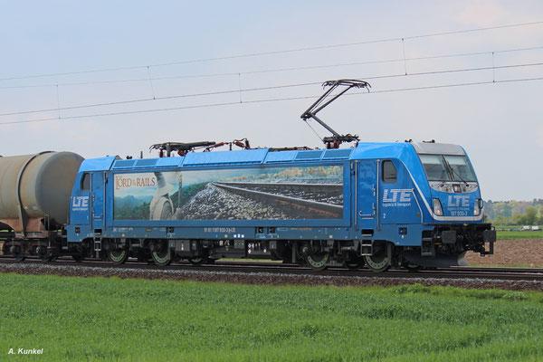 """""""The Lord of the Rails"""" 187 930 von LTE kommt am 27. April mit ihrem Kesselwagenzug durch Babenhausen."""
