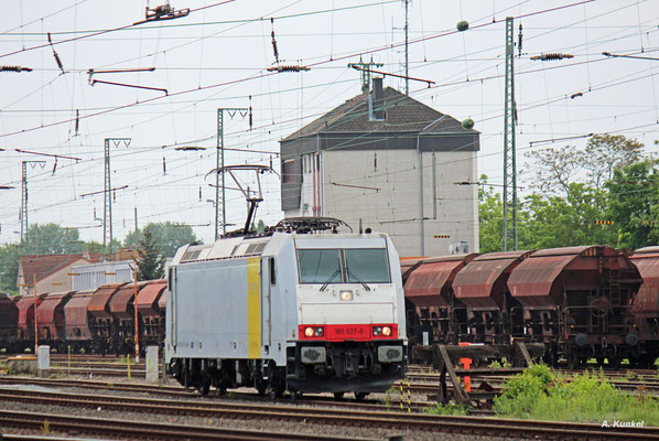 Railpool-185 637 im Einsatz für HSL-Logistik am 14. Mai 2016 in Hanau Hbf.