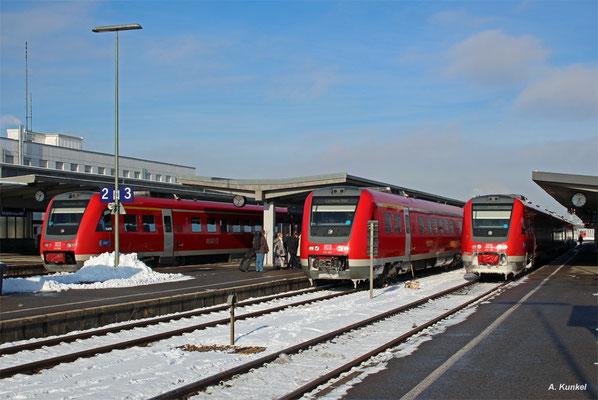 6x 612 auf einmal - drei Doppeltraktionen am 3. Januar 2017 in Kempten Hbf: 612 086 nach München, 612 087 nach Lindau und 612 138 nach Ulm.