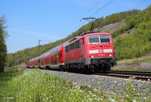 Allzu lange dürfte der Einsatz der Baureihe 111 vor den REs Frankfurt-Würzburg nicht mehr dauern, ist doch der Einsatz von Doppelstocktriebwagen geplant. Am 06. Mai 2016 bringen gleich zwei Loks den RE 4607 nach Würzburg: 111 179 und am Zugschluss 206.