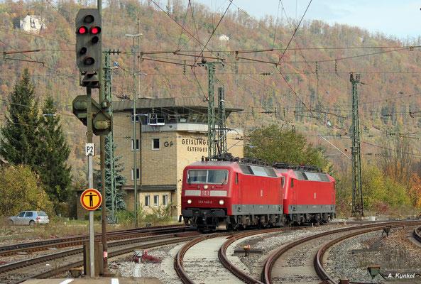 Am 21. Oktober 2017 sind auch mehrere Loküberführungen auf der Geislinger Steige unterwegs. So auch 120 148, die 120 150 im Schlepp hat.