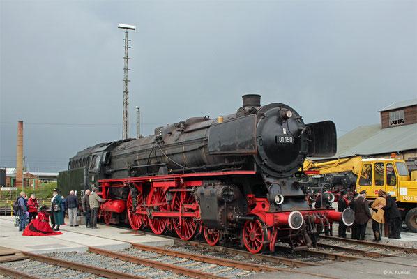 01 150 steht zum Besichtigen des Führerstandes bereit (Hanau, 04. Mai 2019).
