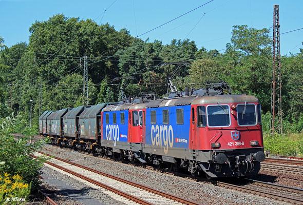 421 389 und 391 sind beinahe mit Grenzlast unterwegs, als sie mit ihren vier Coil-Wagen am 25. August 2016 in Kahl unterwegs sind.