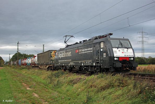 """""""Alpäzähmer"""" 189 115 ist auf dem Weg in Richtung Schweiz, als sie am 05. Oktober 2017 Bischofsheim durchfährt."""