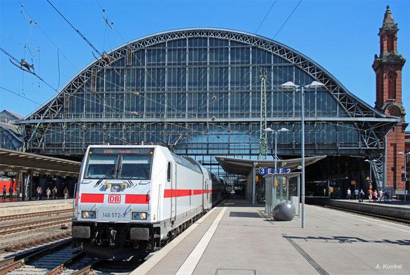 146 572 mit IC 2038 Leipzig - Emden am 20. Juli 2016 bei der Ausfahrt aus Bremen Hbf.