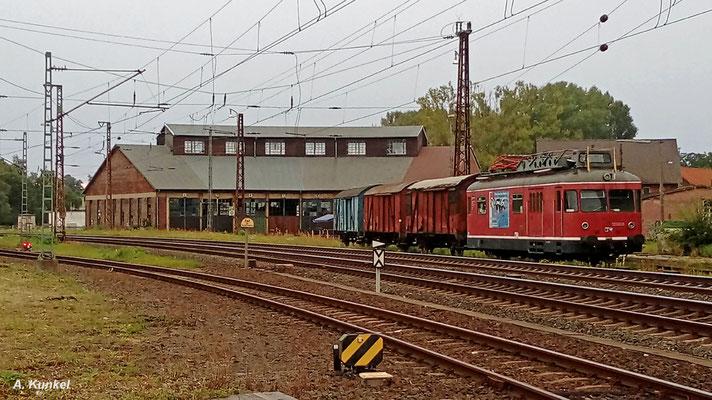 Dieser Turmtriebwagen steht (nicht nur) am Morgen des 11. September 2017 in Hanau auf dem Gelände der Museumseisenbahn abgestellt (Handyfoto).