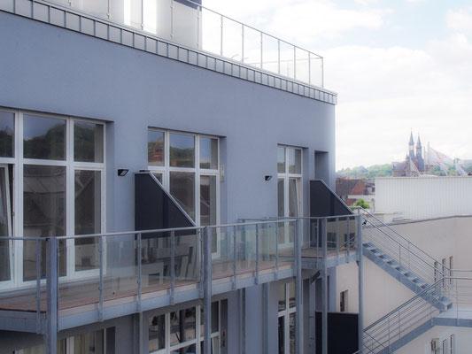 Die Apartments mit Balkon in der 4. Etage